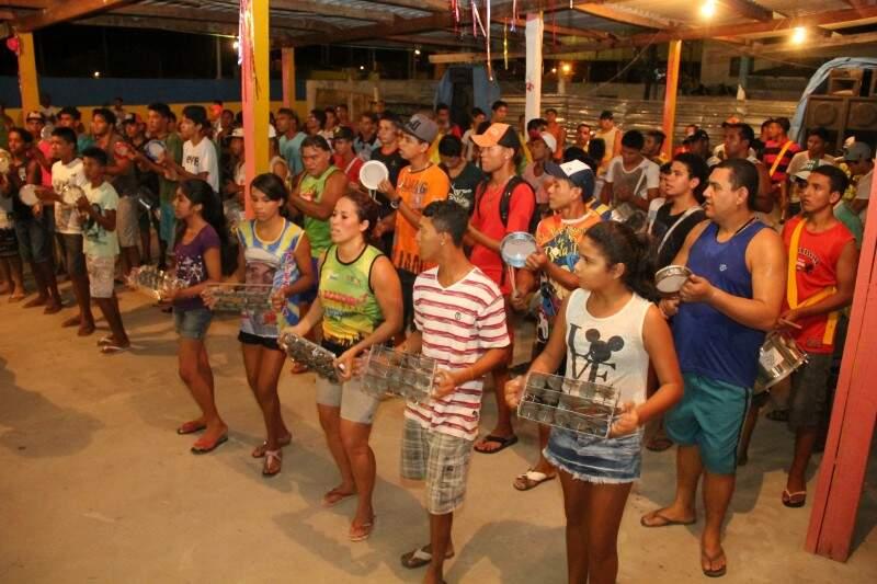 As escolas de samba estão nos últimos ensaios para o Carnaval. (Foto: Marcos Ermínio)