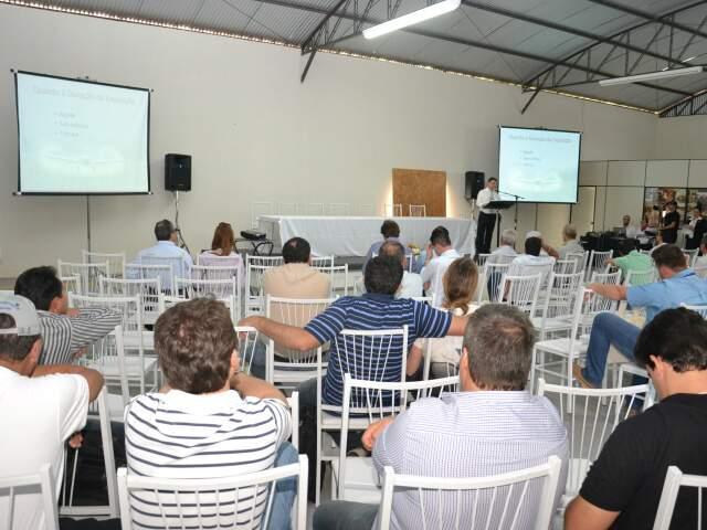Médico toxicologista Sergio Graff falou sobre as intoxicações por agroquímicos.