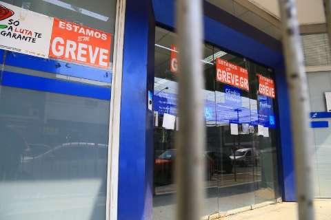 Greve dos bancários completa 30 dias com apenas oito agências abertas