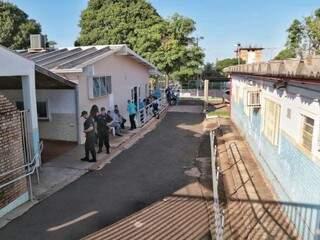 Agentes do Gaeco aguardam mais uma equipe para começar busca. (Foto: Fernando Antunes)