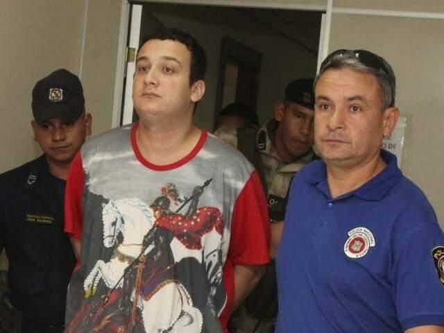 Marcos Oliveira, com seis mandados de prisão no Brasil, será expulso junto com comparsa (Foto: ABC Color)