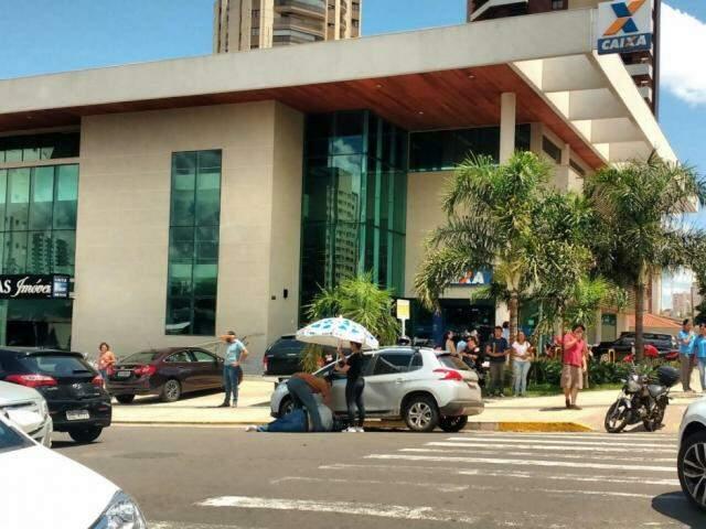 Acidente aconteceu no cruzamento das ruas Euclides da Cunha e Bahia (Foto: Danielle Valentim)