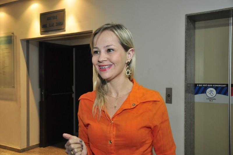 Janaína foi para o centro cirúrgico sabendo dos riscos. Decisão por operar veio de uma das reuniões.