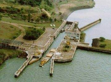 Eclusa de Barra Bonita (SP) em operação. (Foto: Divulgação)