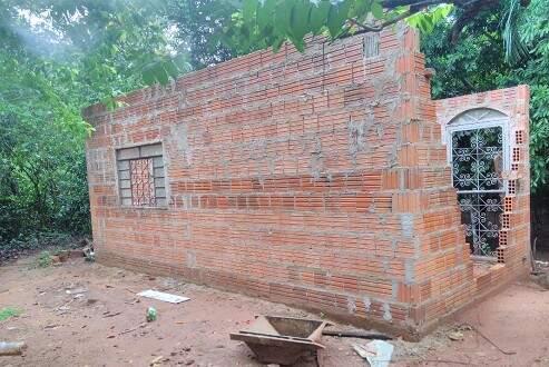 Rancho estava sendo erguido no local (Foto: Divulgação/PMA)