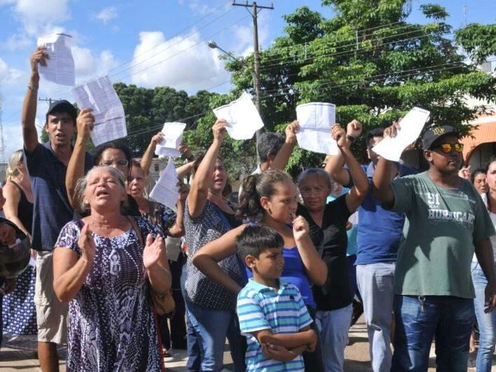 Protesto na avenida Gury Marques na tarde de hoje (Foto: Alcides Neto)