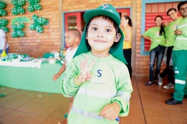 Marcos Vinícius de uniforme na festa temática. (Foto: Arquivo/Fernando Antunes)