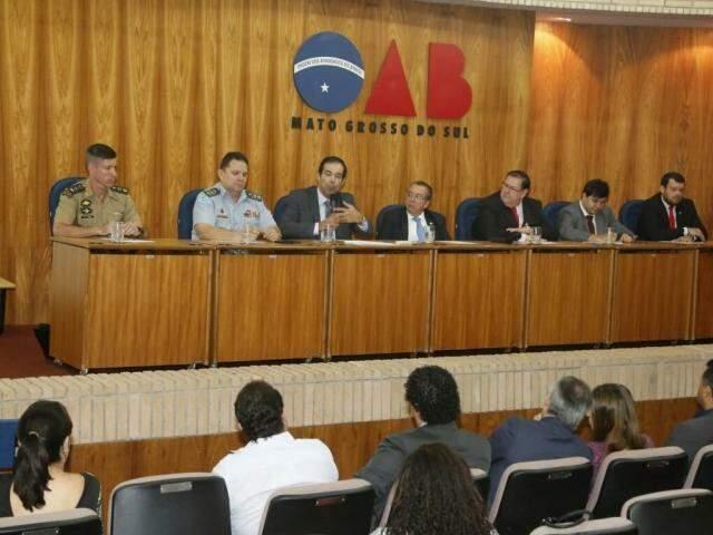 Reunião aconteceu no auditório da OAB-MS (Foto: Gerson Walber/OAB-MS)
