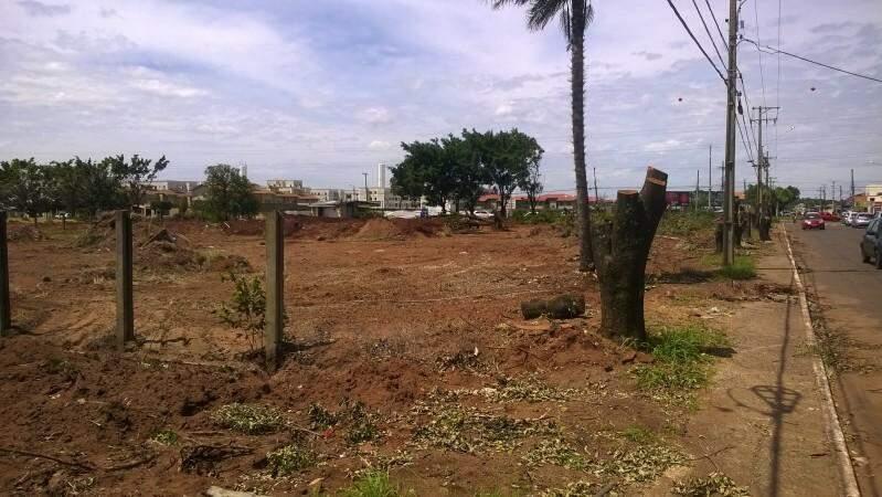 Local onde será construído o food Park, no bairro Tiradentes. (Foto: Richelieu de Carlo)