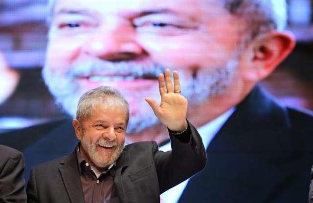 Lula fará escala em Campo Grande e deve se reunir apenas com Delcídio