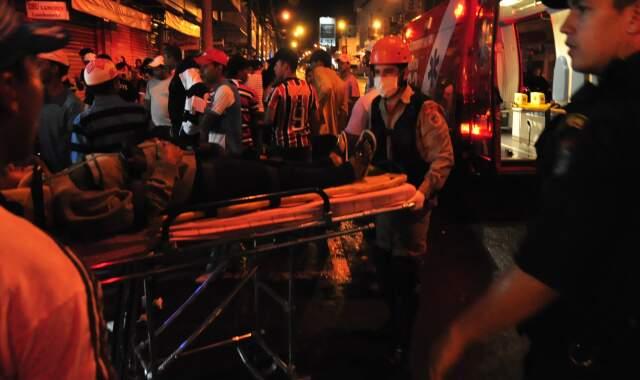 Saída do Carnaval da Fernando Corrêa da Costa terminou com quatro baleados e um morto. O motivo foi vingança contra vítima. (Foto: João Garrigó)