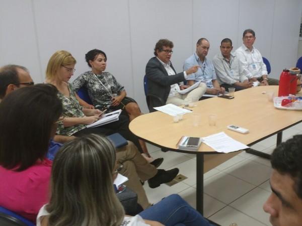 Reunião foi realizada hoje entre Sesau, HU e Santa Casa. (Foto: Yarima Mecchi)