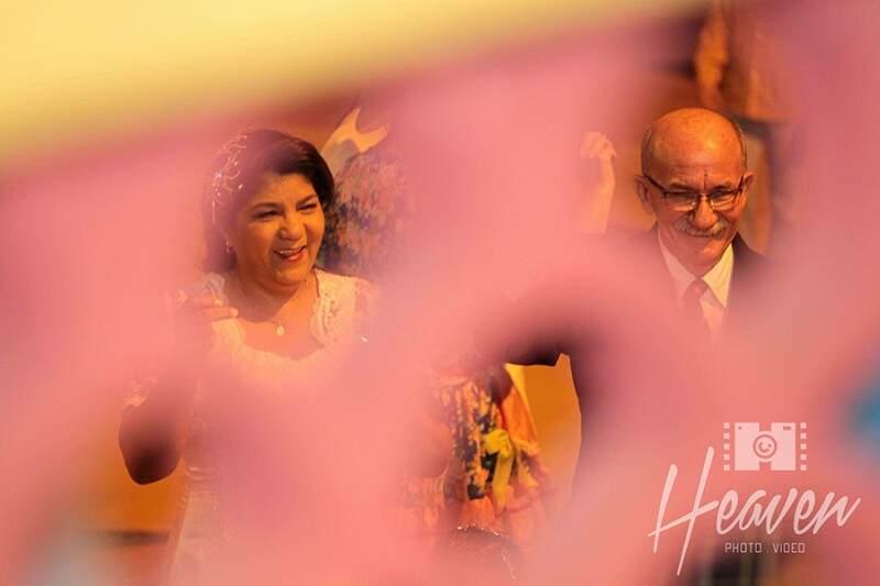 Rosa e Simão através do coreto. (Foto: Heaven Photo e Video)