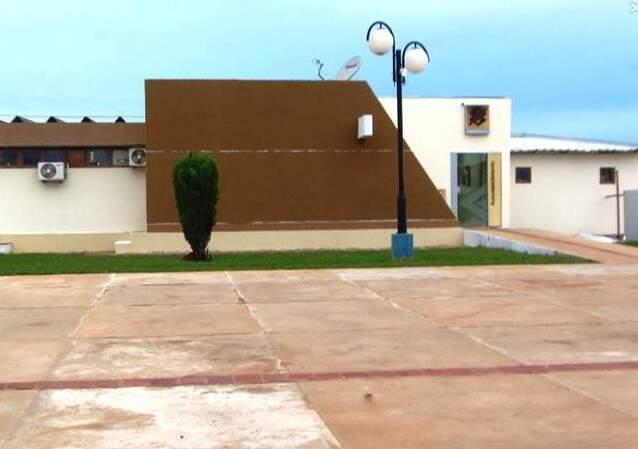 Prédio onde funciona a prefeitura de Taquarussu. (Foto: Marcos Donzeli/Nova Notícias)