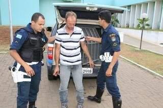 Motorista é preso sob efeito de álcool na rodovia 163. (Foto: Edição de Notícias)