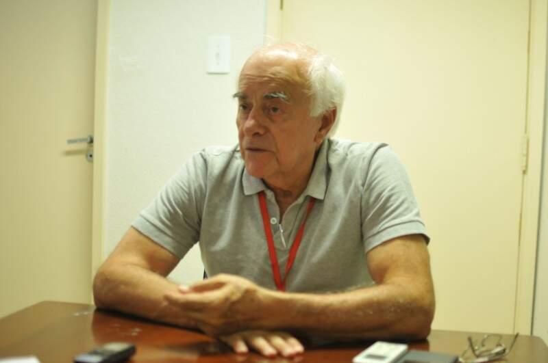 Advogado e corretor de imóveis, Heitor faz parte da associação desde 1993. (Foto: Alcides Neto)