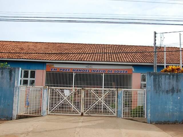 Nesta escola, as aulas estavam ocorrendo normalmente nesta manhã. (Foto: Marlon Ganassin)