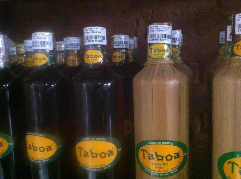 Versões da cachaça Taboa.