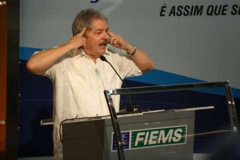 Lula promete levar reivindicações de MS a Dilma e defende reforma política