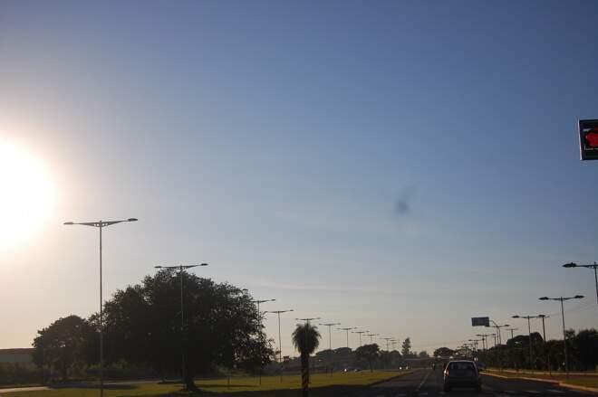 Máxima hoje pode atingir os 39ºC. (Foto: Marlon Ganassin)