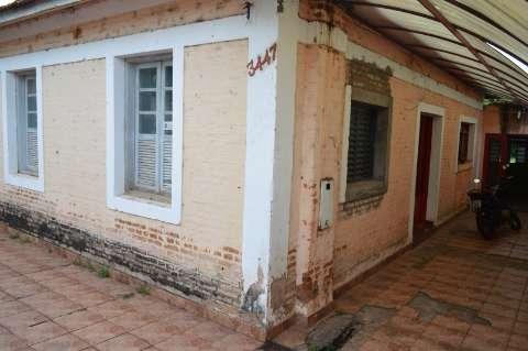 De madeira ou da ferrovia, nas maiores escolas o samba nasceu no quintal de casa