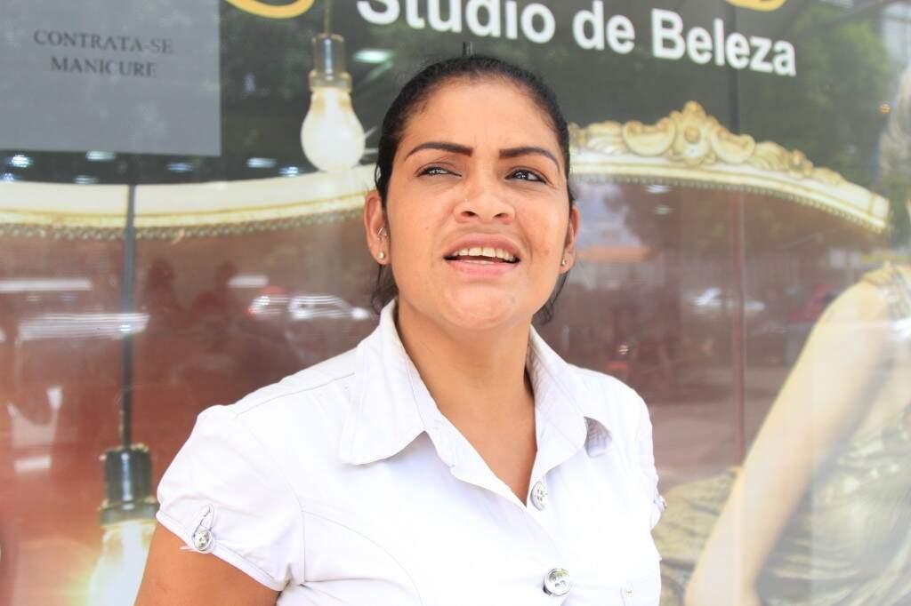 Daniele é virginiana e acha a cidade organizada. (Foto: Marina Pacheco)