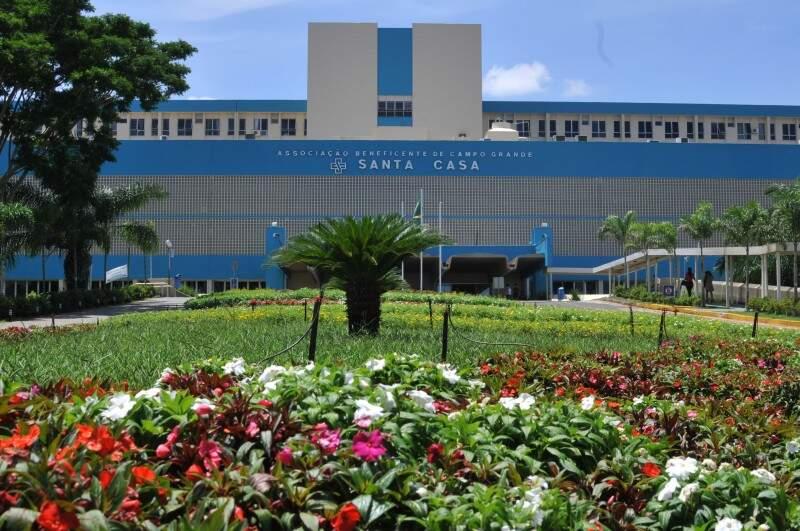 Maior de MS, hospital nasceu de coleta de dinheiro iniciada em 1917. (Foto: Alcides Neto)