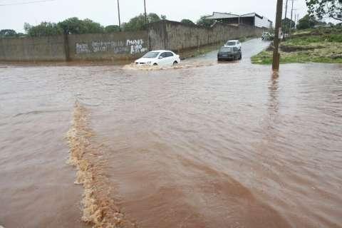 Após bater média histórica em 18 dias, chuvas devem continuar na Capital