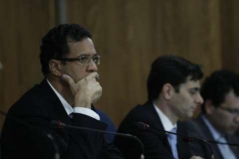 Recomeça reunião do conselho da OAB; Júlio Cesar põe imprensa para fora