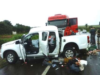 Filha de 28 anos é 2ª vítima de acidente com caminhonete e carreta