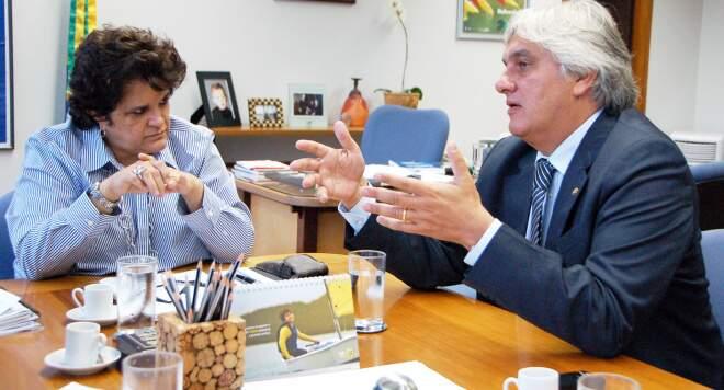 Senador Delcídio do Amaral convidou a ministra para visitar o Pantanal. (Foto: Divulgação)