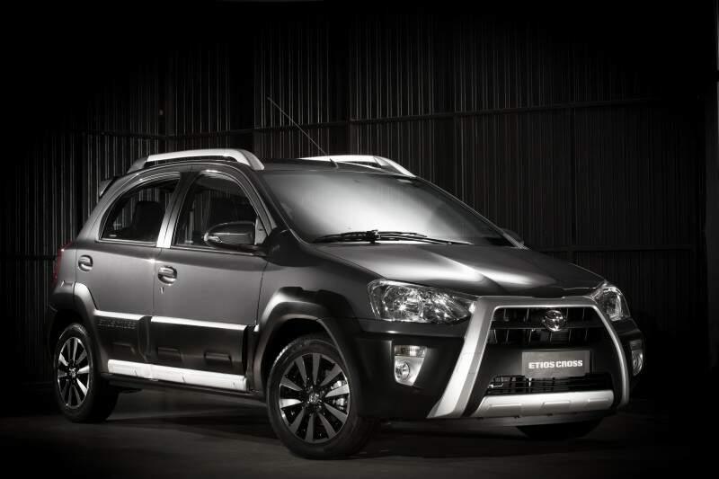 Toyota lança Etios linha 2016