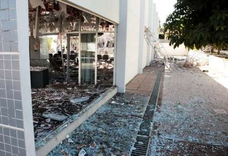 Dez dias após assalto, polícia não tem pista de quadrilha que explodiu banco