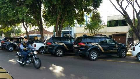 Presos por envolvimento com o tráfico começam a chegar na Polícia Federal