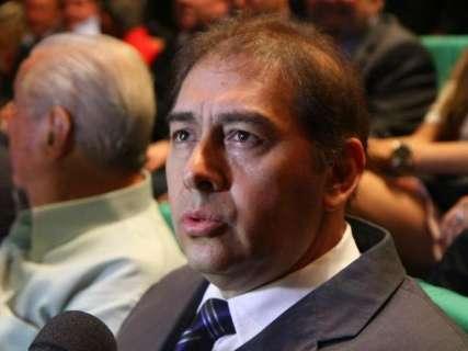 Vaiado pela plateia, Bernal anuncia que deixará R$ 252 milhões em caixa