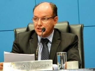 Presidente Junior Mochi (PMDB) aponta que reforma administrativa contemplará concursados. (Foto: Divulgação/AL-MS)