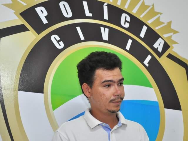 Thiago Vieira é apontado como a pessoa que bateu e ateou fogo em Levi. (Fotos: João Garrigó)