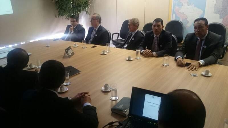 Parlamentares já estão em Brasília e de tarde o futuro das novas intervenções na BR-163 será definido (Foto - Divulgação/Assessoria)