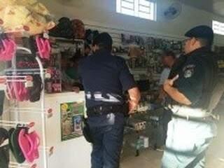 A Polícia Militar foi acionada, mas não conseguiu localizar o bandido. (Foto: TL Notícias)