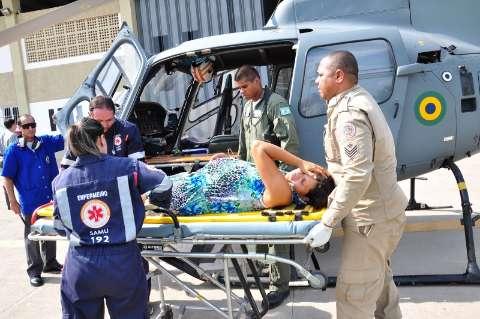 Mulher em trabalho de parto é resgatada em avião da marinha