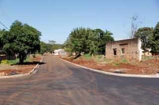 Drenagem e asfalto acabaram com alagamento em ruas do bairro (Foto: Divulgação)
