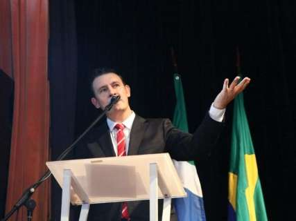 Em nome dos vereadores, Salineiro repete discurso de gratidão e trabalho