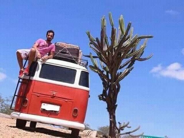 Anderson de Lima usa sua Kombi em viagens e para o trabalho (Foto: Facebook/Reprodução)