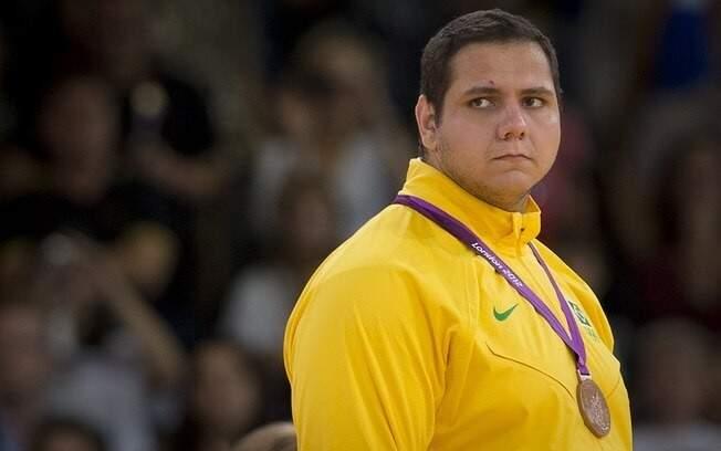"""Rafael """"Baby"""" com sua medalha de bronze, conquistada nos Jogos de Londres 2012 (Foto: Arquivo)"""