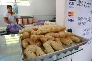 Só R$ 1,00 cada: 2015 foi o ano em que a chipa virou pão francês