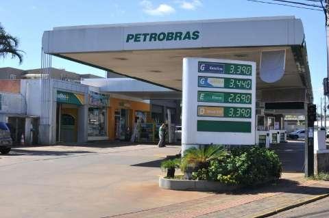 Preço do etanol cai, mas abastecer com gasolina ainda é mais vantajoso