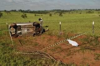 Passageiro morreu na hora (Foto: Osvaldo Duarte/Vicentina Online)