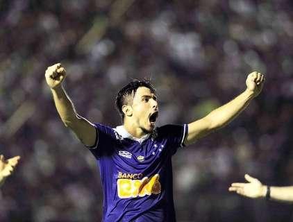 Cruzeiro bate o Vitória e conquista o Brasileirão