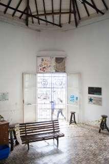 Com reforma do teto, acesso principal à Casa do Artesão é liberado