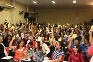 Assembleia com cerca de 300 profissionais decidiu por fim à greve. (Foto: